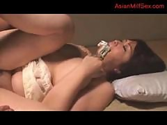 Busty Fat Milf Getting Her Pussy Licked By Her Husband On The Mattress In The Room