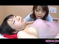 Asian Girl Getting Her Toes Nipples And Tongue Sucking By The Masseuse On The Massage Bed