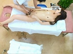 Model massaged to an reluctant orgasm 02