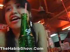 Thailand yellow pussy gets arab dick